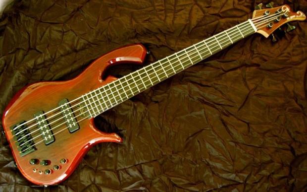 Datum RM Series Bass