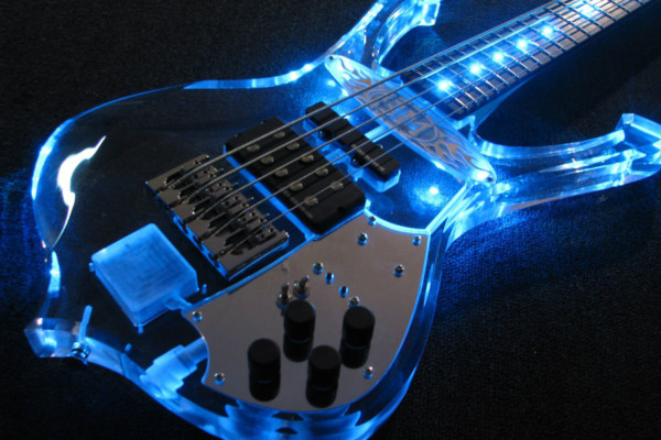 Bass of the Week: Christopher Woods Guitars Wizard Bass