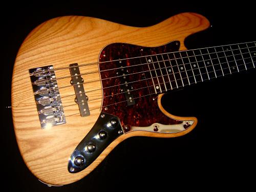 Fclef Basses Custom Series II Bass body
