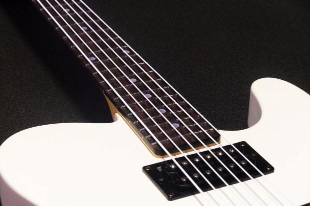 DR Strings NEON Hi-Def White Bass Strings - normal light