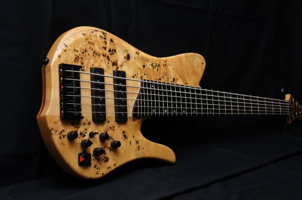 Aurora NW6BP Bass - body perspective