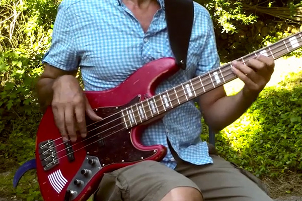 Lesson: Soul/Funk Fingerstyle Bass Groove