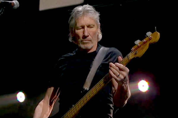 """Roger Waters: """"Money"""", Live at Concert for Sandy Relief"""