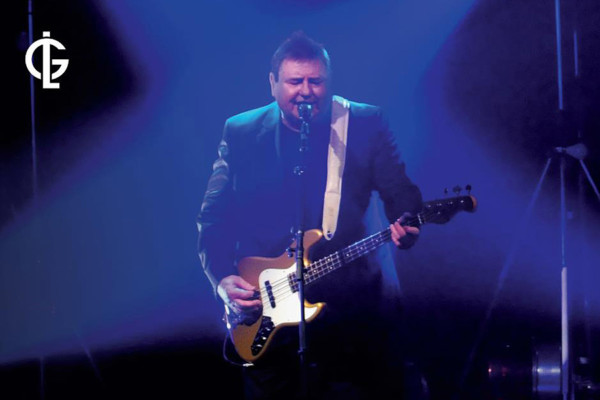 Greg Lake Keeps Adding to Autobiography