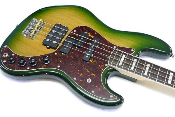 Bass of the Week: Spear Guitars Flextool