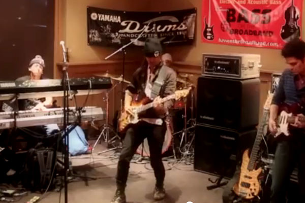 Uriah Duffy: NAMM 2014 Bass Bash