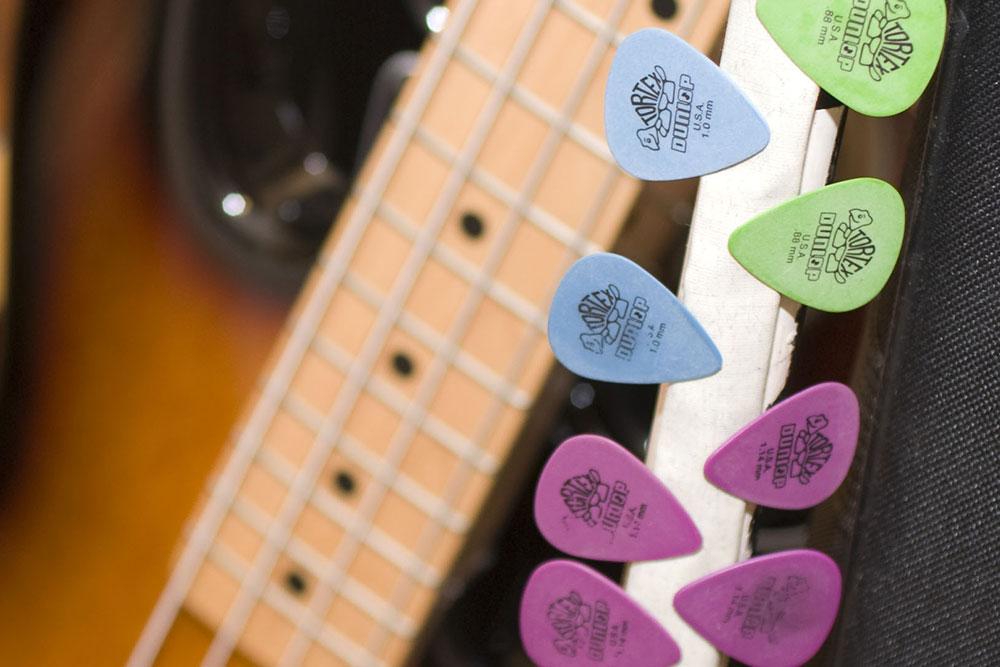 The Great Bass Picksperiment – No Treble