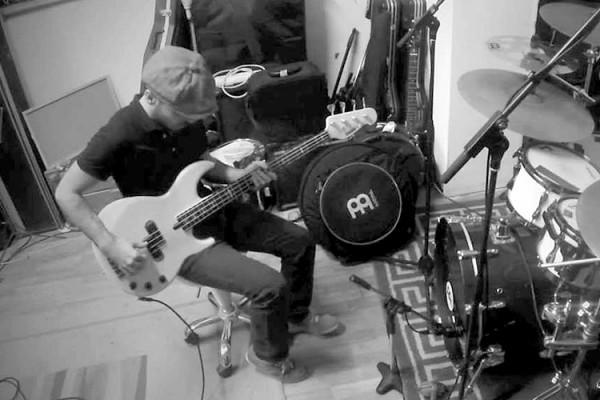 """Miki Santamaria & Dani Ktna: """"Overjoyed"""" Bass & Drums"""