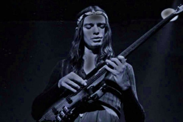 "Jaco Pastorius: ""Domingo"" Isolated Bass"
