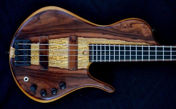 Ella Basses Isaac Singlecut 4-String Bass - body