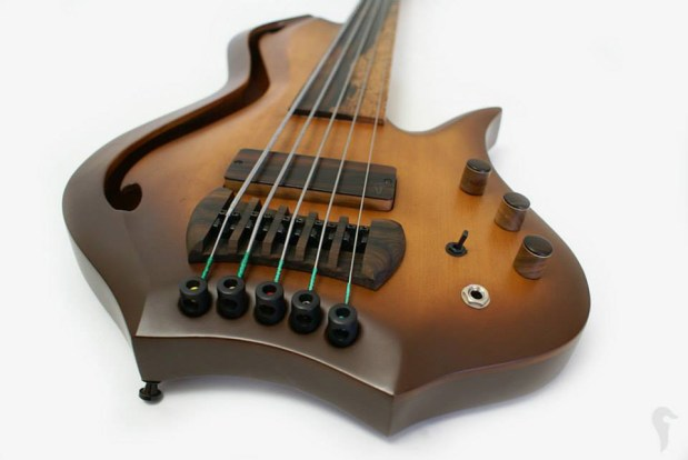 Aries Aman II Bass - body perspective view