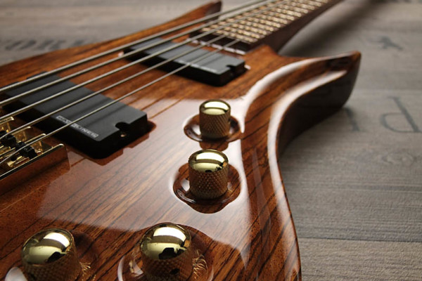 Bass of the Week: Zerberus Guitars Hades