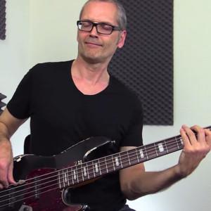 Bass Lick Series: Funky Bass Breakdown in E