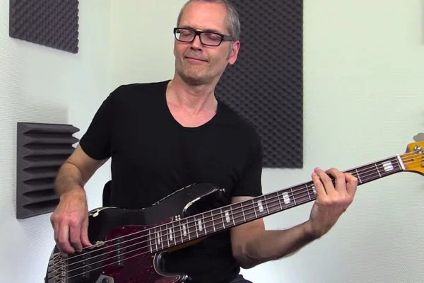 Bass Lick Series: Funky Bass Breakdown in E