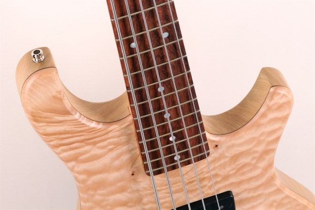 Kristall Home Quilted Maple Top Fingerboard