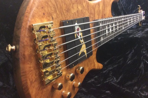 Bass of the Week: Vinciguerra Custom Shop BAJ Signature 6