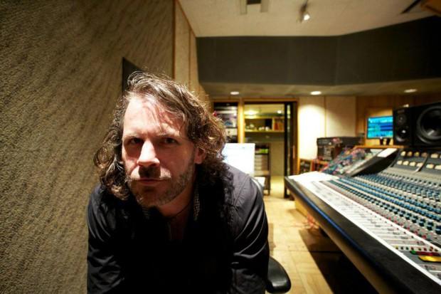 Tim Lefebvre in studio