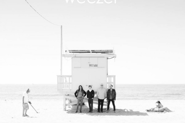 Weezer Announces New Album, Music Video, 2016 Tour Dates