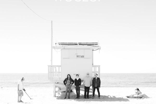 """Weezer Nods to Past Sound with """"White Album"""""""