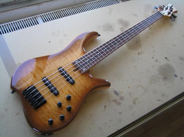 Wreck Guitars W Minor 5 Bass