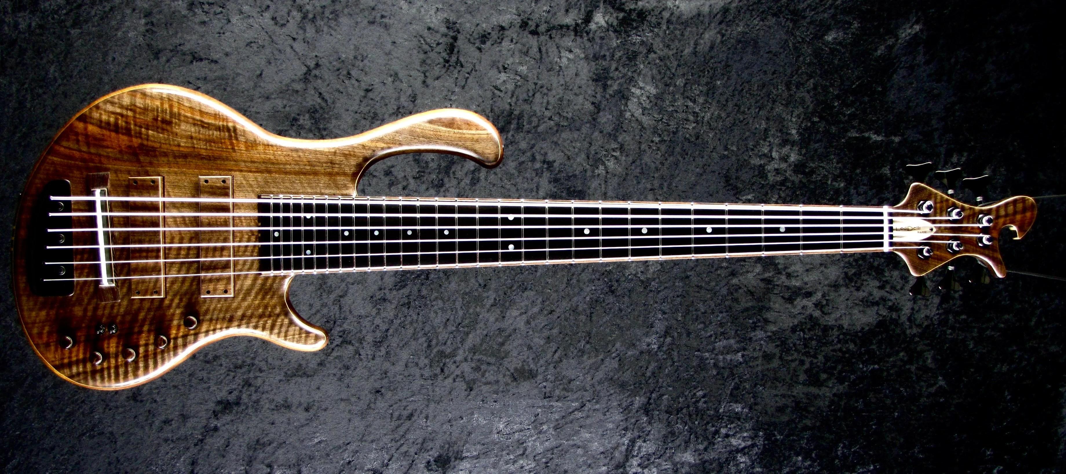 LedBelli Bass Guitars Majestic Bass