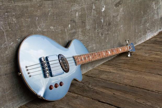 R. Hyde Guitars Long Scale Nuvo Bass Angle