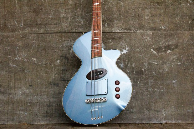 R. Hyde Guitars Long Scale Nuvo Bass Body Centered