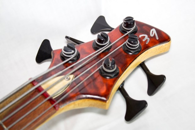 39 Custom Guitars CK Canorous Bass Headstock