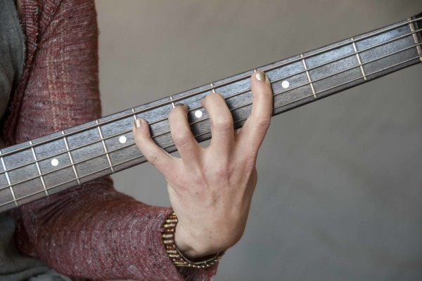 Talking Technique: The One-Finger-Per-Fret Controversy