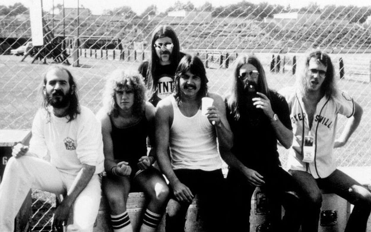 Molly Hatchet (Banner Thomas Left)