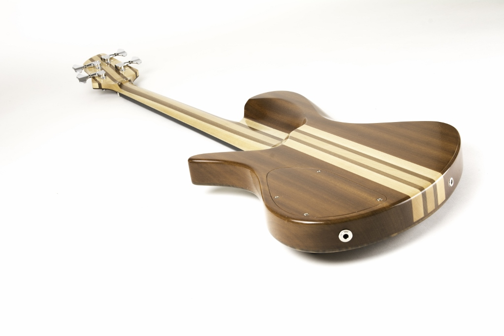 Frederiek de Vette's Singlecut Fretless Bass Back Angle 3
