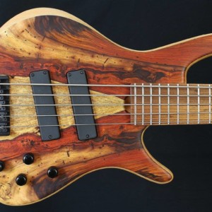 Bass of the Week: Roscoe Guitars Century Standard Plus 5HL