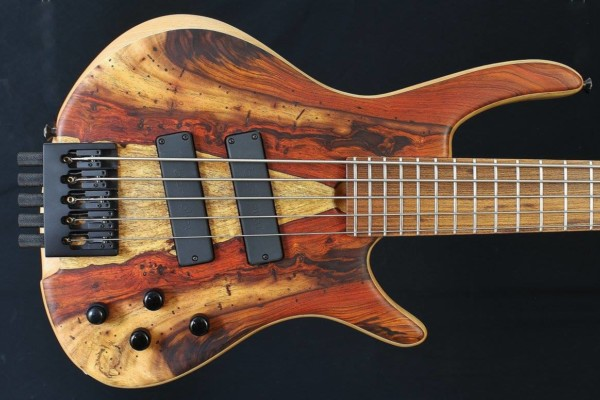 Bass of the Week: Roscoe Guitars Century Standard Plus 5HL