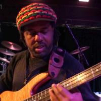 Victor Wooten: FretTraX MIDI Bass Demo