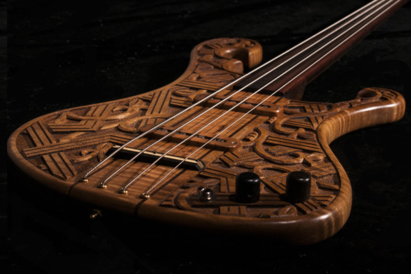 Bass of the Week: Crom Custom Shop Romantic Warrior