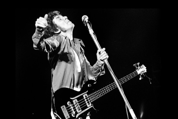 """Bass Transcription: Ronnie Lane's Bass Line on """"Itchycoo Park"""" by The Small Faces"""