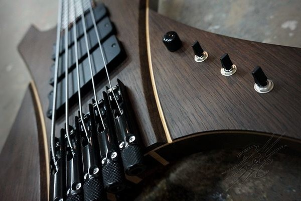 Bass of the Week: Devil's Choice EvilOak