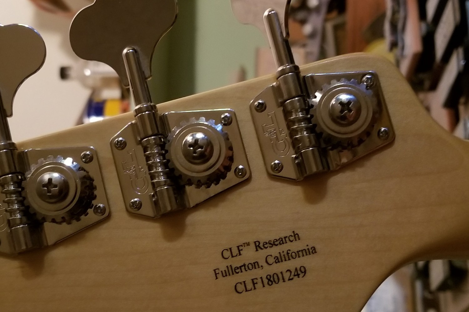 G&L Guitars CLF Research L-1000 Bass Back of Headstock
