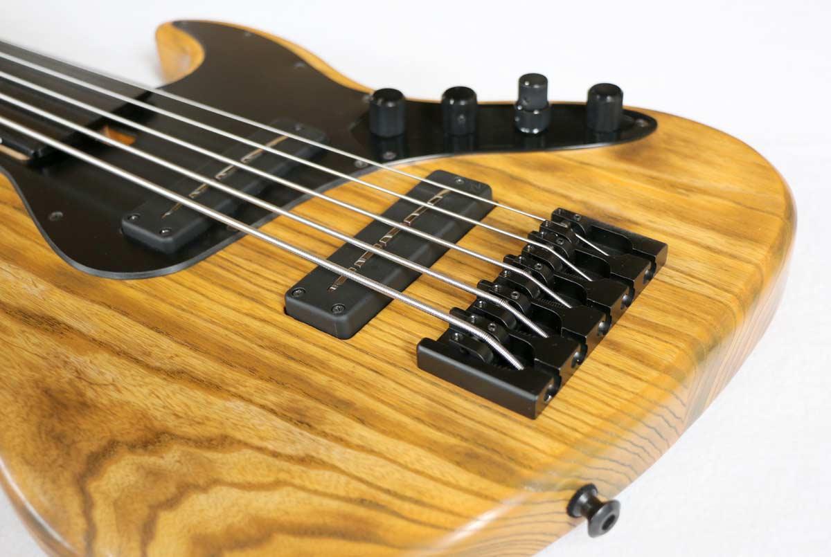 Devon Bass J5 Classic Fretless Bass Bridge