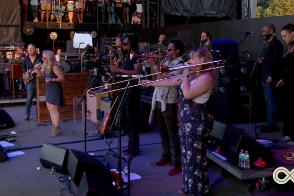 Tedeschi Trucks Band: I Never Loved A Man (The Way I Love You)