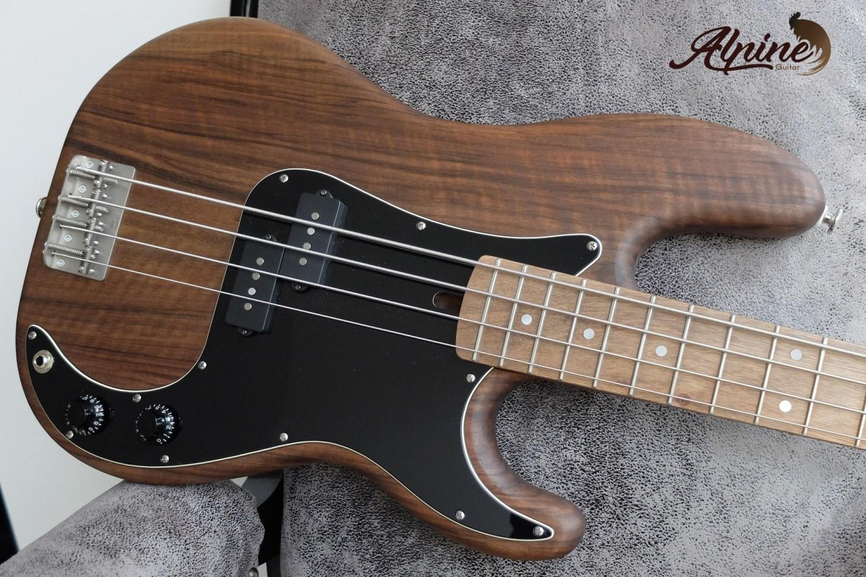 Alpine Guitar Black Bison Bass Body