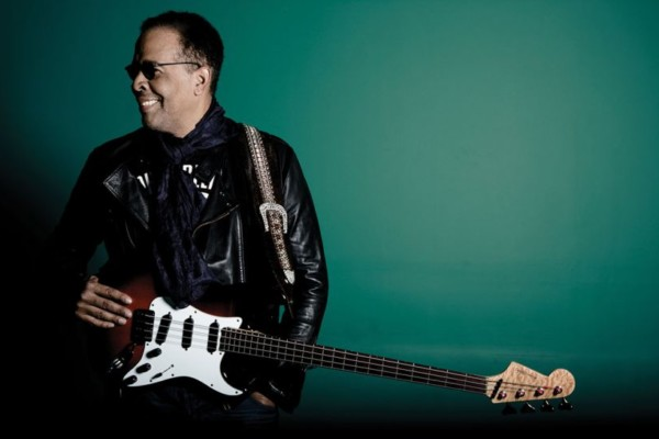 Stanley Clarke Teases New Stratocaster Bass