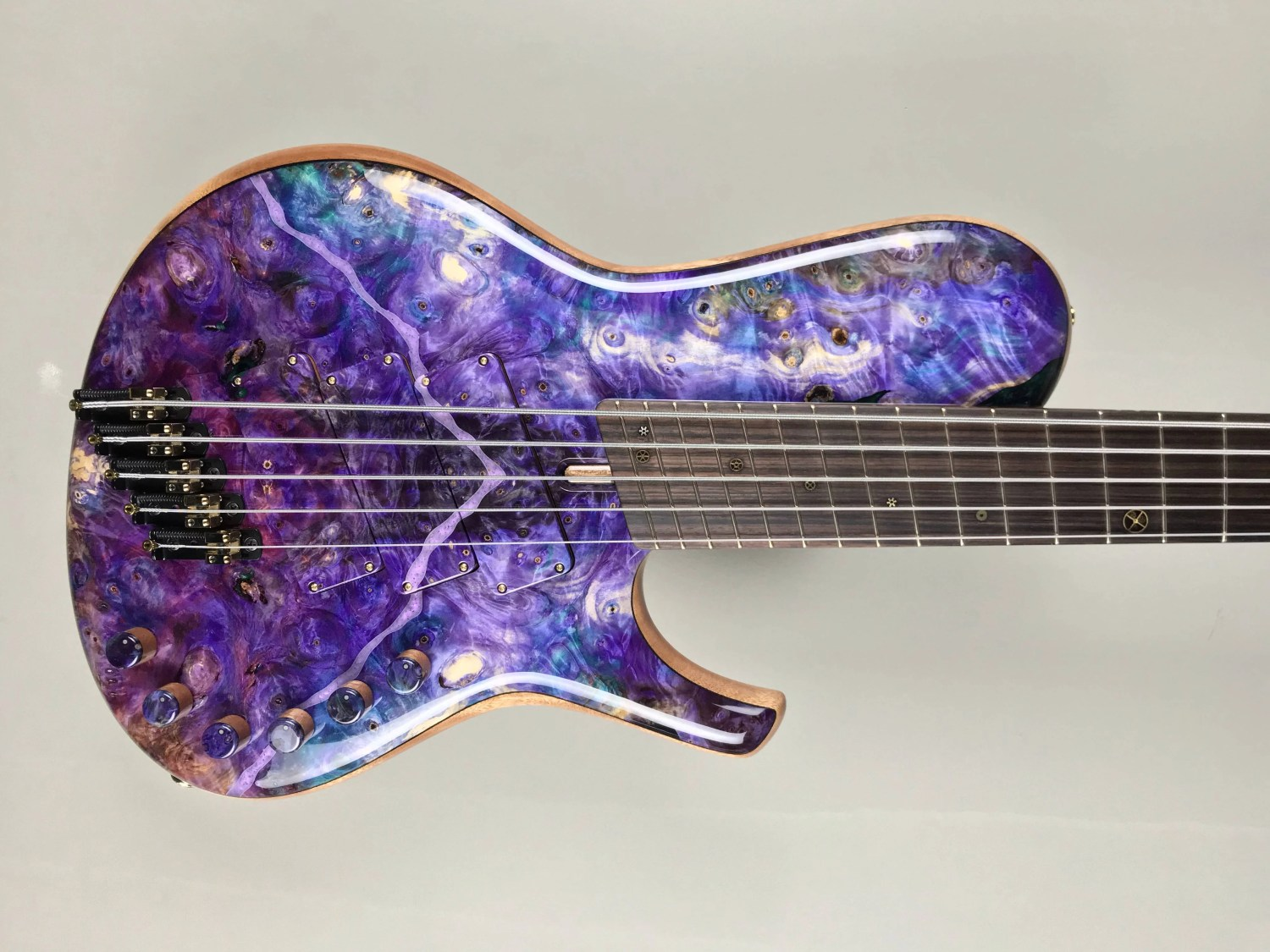 bass of the week dtc bass guitars 5 string multiscale singlecut. Black Bedroom Furniture Sets. Home Design Ideas