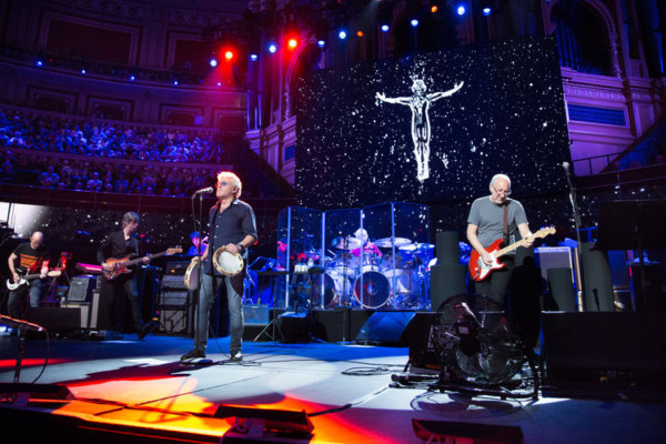 "The Who Announces New Album, ""Moving On!"" Tour"