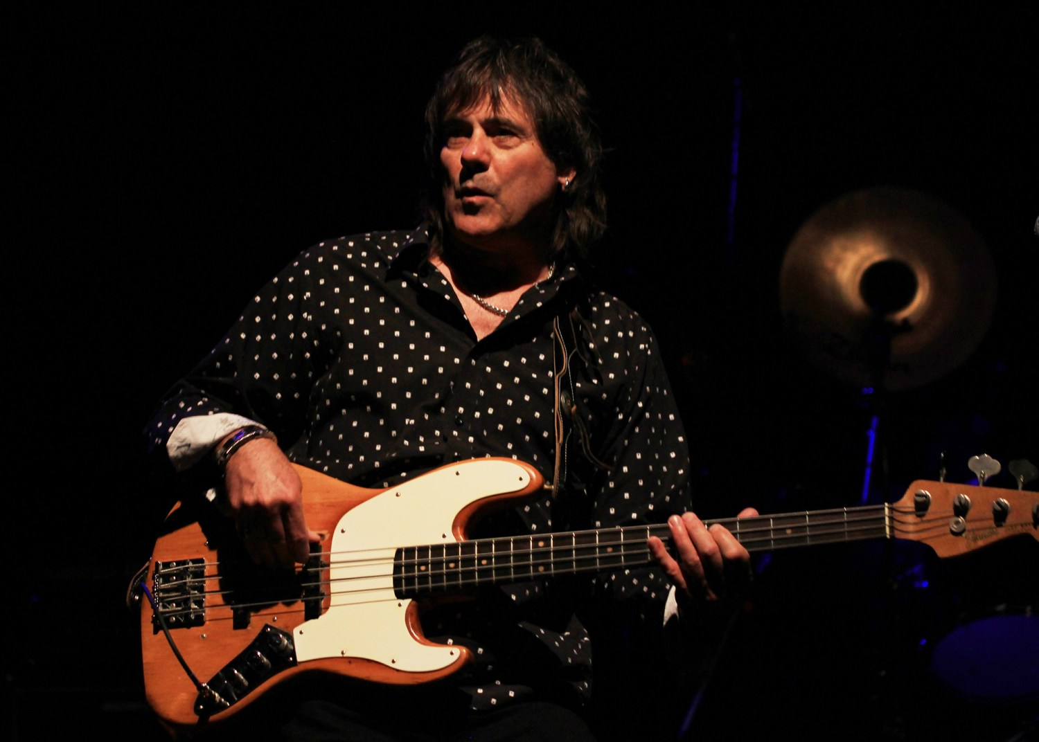 Gary Shea Playing 1965 L Series Fender Jazz Bass