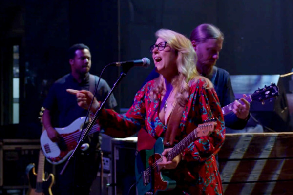 Tedeschi Trucks Band: Signs, High Times (Live)