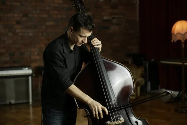 Olivier Babaz Launches Jazz Bowing Course on Discover Double Bass