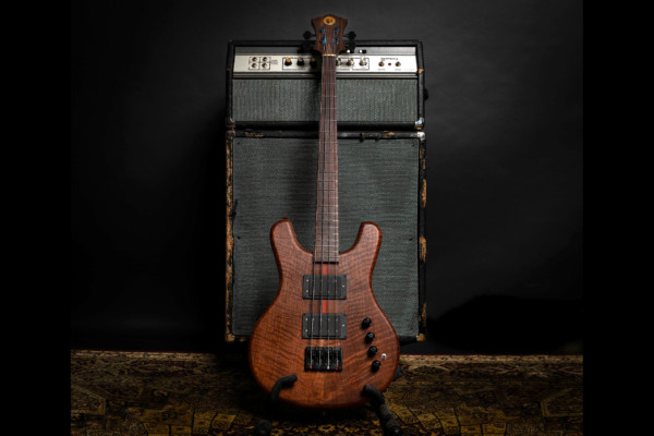 Bass of the Week: Owl Bass Guitars Alchemist 4/32