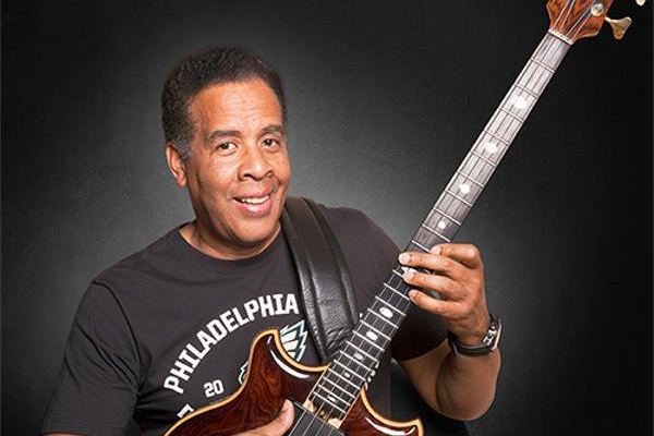 Stanley Clarke Sets Out on Worldwide Tour