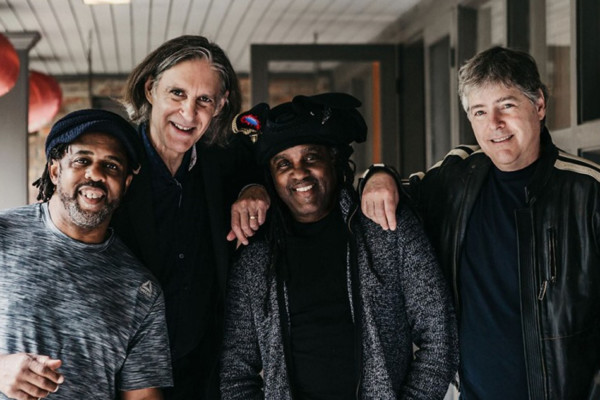 Béla Fleck & The Flecktones Add New 30th Anniversary Tour Dates